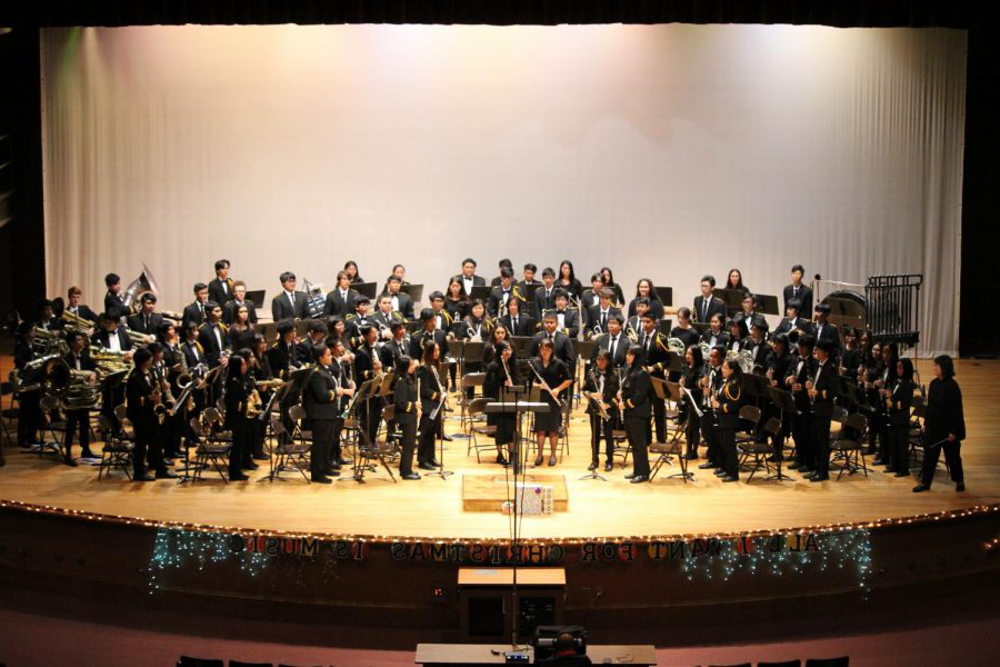McKinley+High+School%27s+band+and+orchestra+has+presented+their+Winter+Concert%21+It+featured+a+selection+of+Christmas+songs+to+celebrate+the+holiday+season.